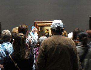 Crowd around Vermeer's The Milkmaid