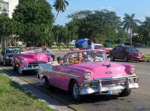 CU-Havana-clasic-car-taxis