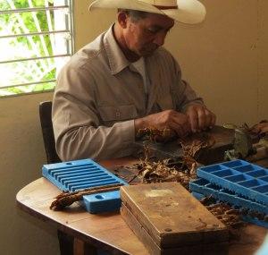 CU-tobacco-farm-rolling2