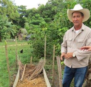 CU-tobacco-farmer-with-seed
