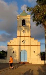 CU-Vinales-plaza-church