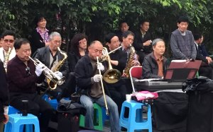 CH-Chengdu-karaoke-band