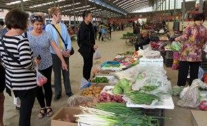 CH-Donghan-veg-market