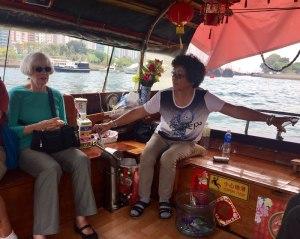 HK-Aberdeen-sampan-ride