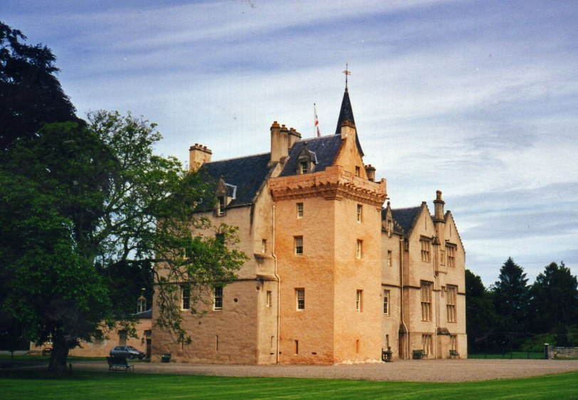 UK-2000-Brodie-castle