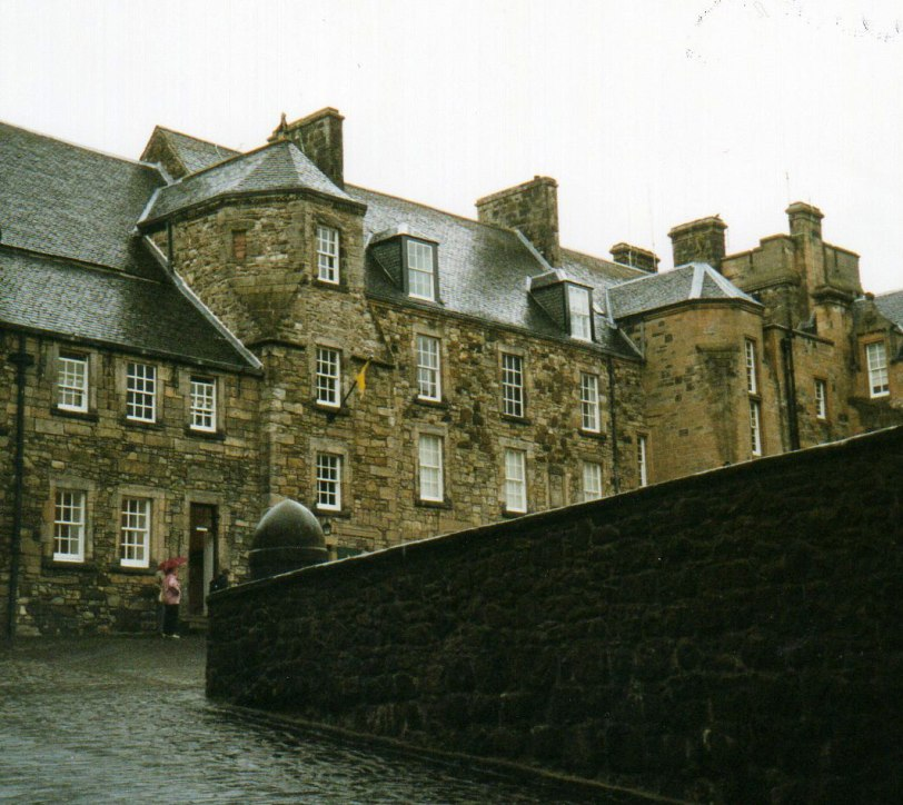 UK-2000-Stirling-C-entrance