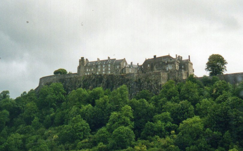 UK-2000-Stirling-Castle-hill