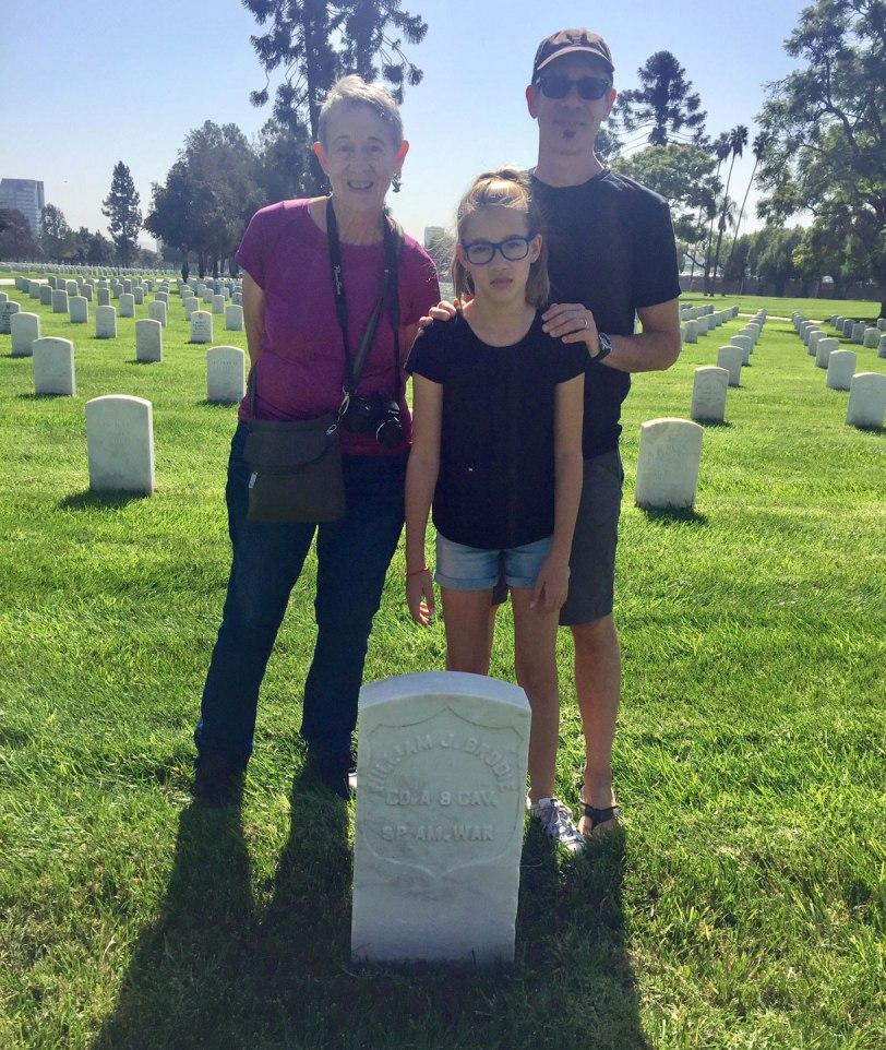Veterans-cemetery-family-10-9-17
