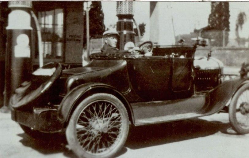 Grandpa-SM-gas-station-1927