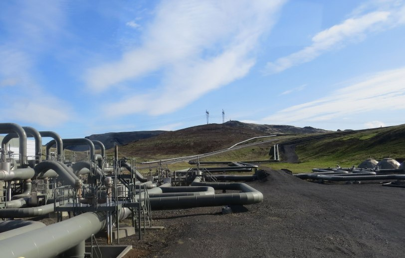 Iceland-geothermal-pipes-7-20-19