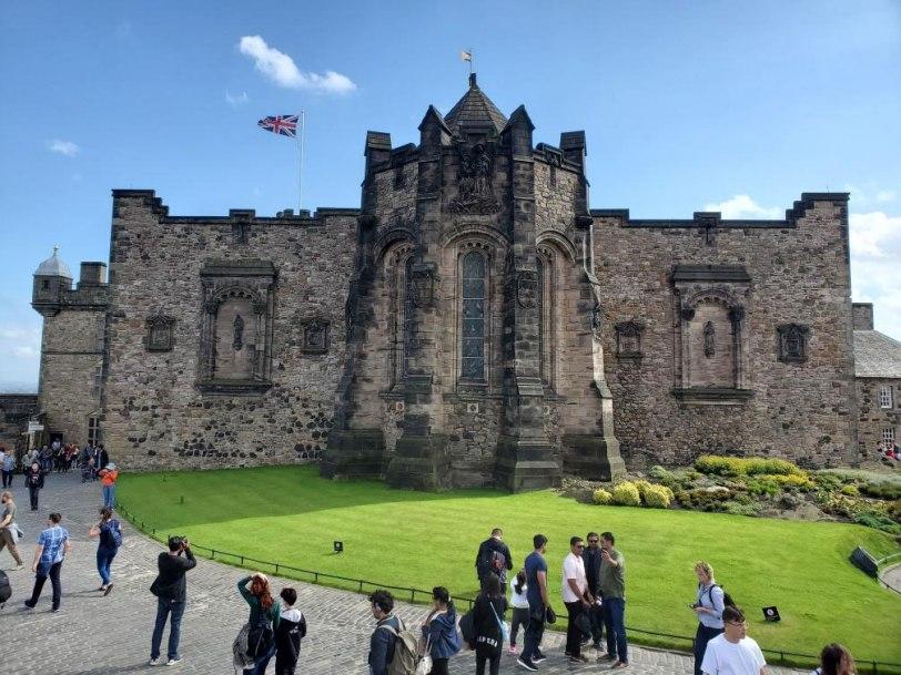UK-Edinburgh-Castle-inside-Portcullis Gate