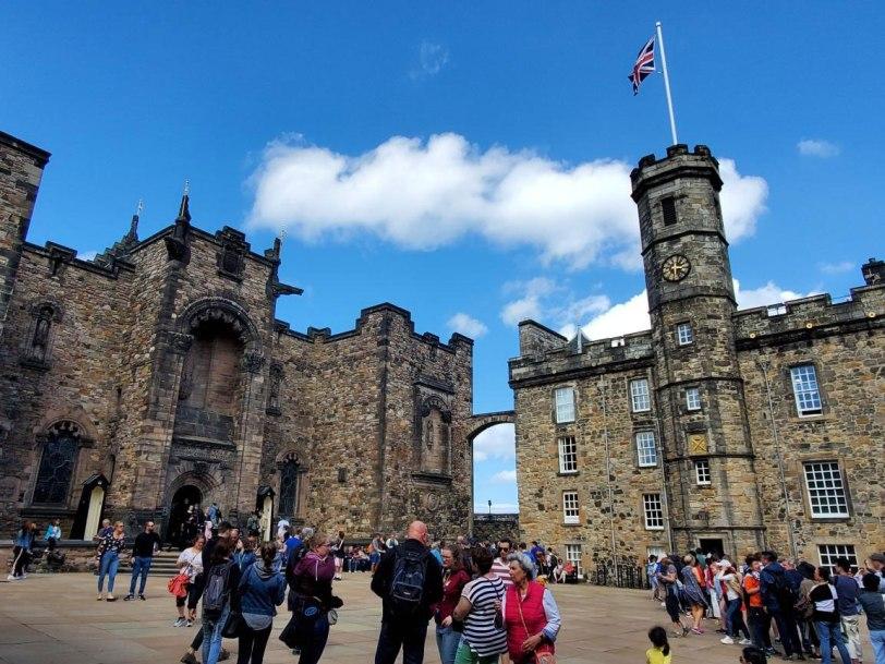 UK-Edinburgh-Castle-tour