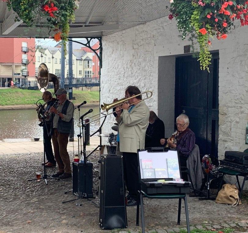 UK-Exeter-historic-Quay-Dixieland