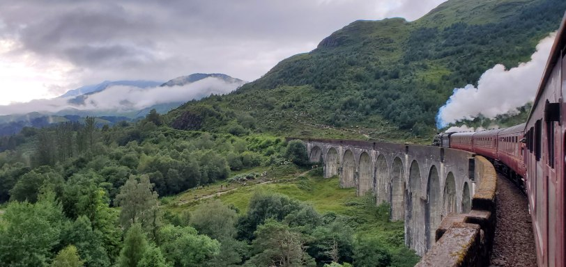 UK-Glenfinnan-viaduct